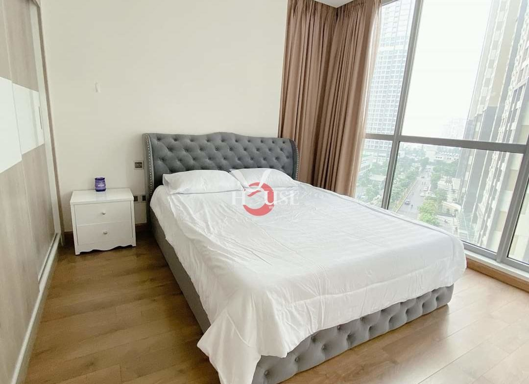 Vinhomes Central Park Apartment 2 Bedrooms For Rent